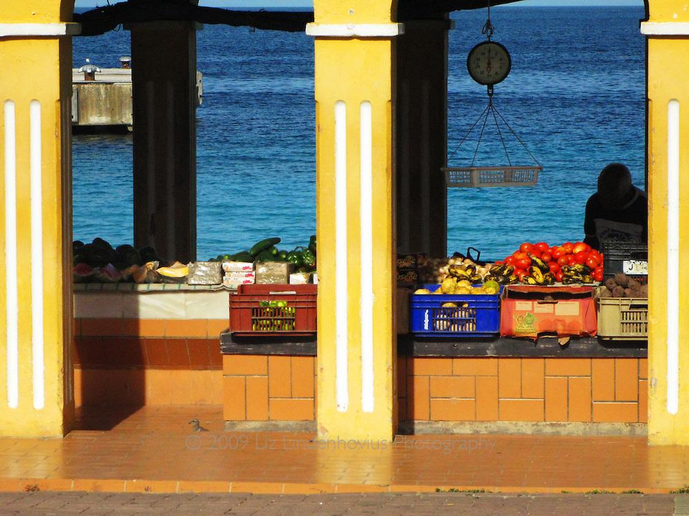 Open Air farmer's market in Bonaire