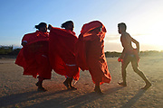 Yonna dance, also called Chichamaya, carries a considerable symbolic charge for the Wayuu indigenous people of Colombia, representing three basic principles for this tribal group: Social equality, collective solidarity and the improvement of relations between the human being and the Cosmos.