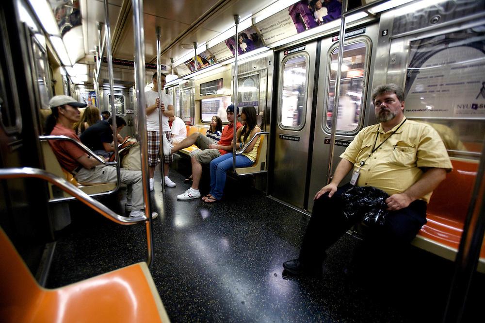 UNITED STATES-NEW YORK-Subway, train interior. PHOTO: GERRIT DE HEUS.VERENIGDE STATEN-NEW YORK. Interieur van de metro. PHOTO COPYRIGHT GERRIT DE HEUS