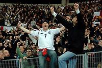 Photo: Glyn Thomas.<br />England v Argentina. International Friendly. 12/11/2005.<br />England fans celebrate their team's 3-2 victory.