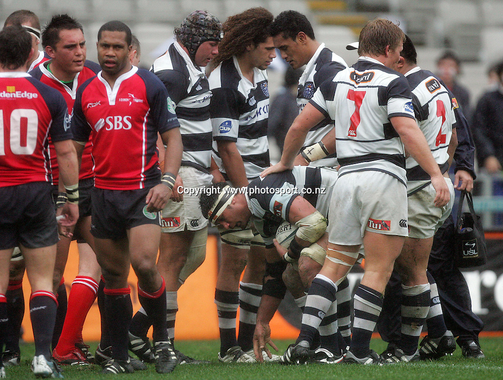 Andrew Blowers is helped up after scoring for Auckland during the Air New Zealand Cup rugby union match between Auckland and Tasman at Eden Park, Auckland, New Zealand on Sunday 6 August, 2006. Auckland won the match 46 - 6. Photo: Hannah Johnston/PHOTOSPORT<br />
