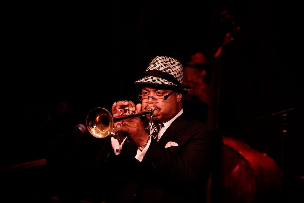 Trumpeter Nicholas Payton performs with Vocalist John Aye Kendrick, Pianist Robert Glasper, Bassist Vincente Archerat, Percussionist Daniel Sadownick and Marcus Gilmore on drums at Birdland Jazz Club on May 20, 2009 in New York. photo by Joe Kohen for The New York Times