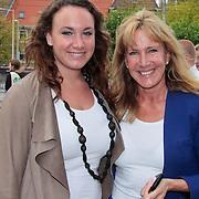 NLD/Amsterdam/20110925 - Benefietavond Red Sun Stichting Stop Kindermisbruik, Xenia kasper en dochter Victoria