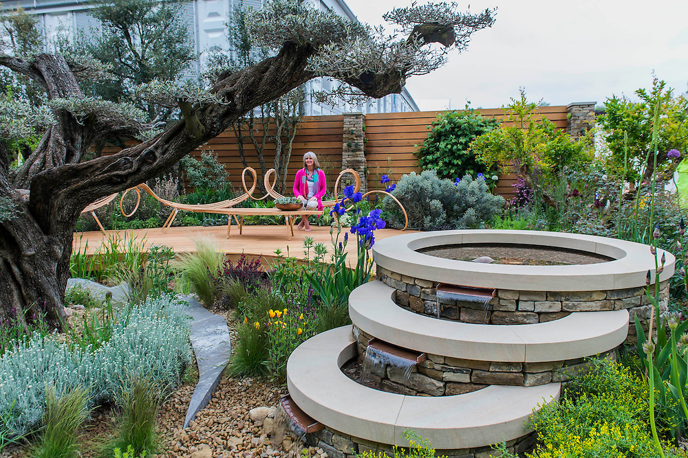 Royal Bank of Canada Garden - HS Chelsea Flower Show, Chelsea Hospital, London UK, 18 May 2015. Guy Bell, 07771 786236, guy@gbphotos.com