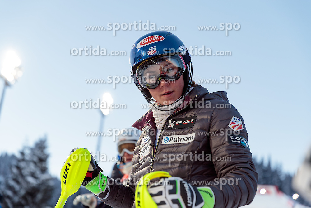 10.01.2017, Hermann Maier Weltcupstrecke, Flachau, AUT, FIS Weltcup Ski Alpin, Flachau, Slalom, Damen, Streckenbesichtigung, im Bild Mikaela Shiffrin (USA) // Mikaela Shiffrin of the USA during course inspection for the ladie's Slalom of FIS ski alpine world cup at the Hermann Maier Weltcupstrecke in Flachau, Austria on 2017/01/10. EXPA Pictures © 2017, PhotoCredit: EXPA/ Johann Groder