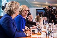 14 MAR 2018, BERLIN/GERMANY:<br /> Julia Kloeckner, MdB, CDU, Bundesministerin fuer Ernaehrung und Landwirtschaft, vor Beginn der ersten Sitzung des Kabinetts Merkel IV, Kabinettsaal, Bundeskanzleramt<br /> IMAGE: 20180314-02-010<br /> KEYWORDS: Julia Kl&ouml;ckner, Kabinett, Kabinettsitzung, Sitzung,, neues Kabinett