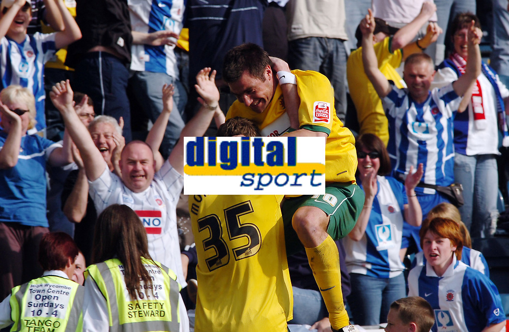 Photo: Kevin Poolman.<br />Wycombe Wanderers v Hartlepool United. Coca Cola League 2. 14/04/2007. Richard Barker celebrates his goal for Hartlepool with Andy Monkhouse.