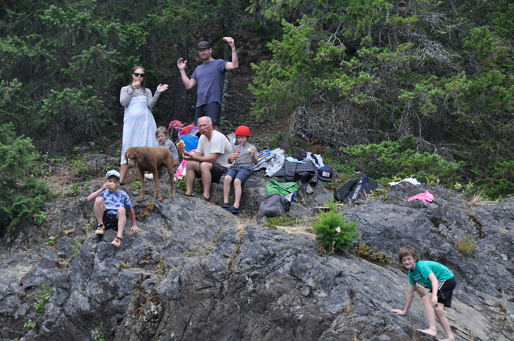 Curran, Alison, Poppy, Britten, Hunter, Bowie and Max, Ross Lake National Recreation Area, North Cascades National Park, US