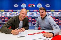 ALKMAAR - 18-05-2016, AFAS Stadion, nieuw contract voor AZ speler Ron Vlaar, nieuw rugnummer 4.
