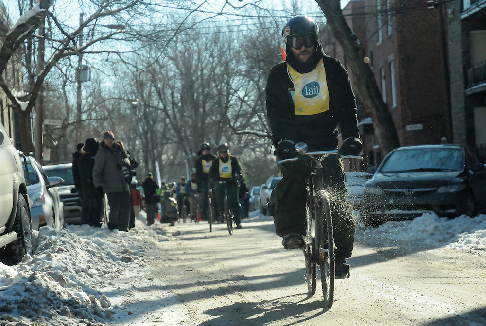500 cyclists take part in the 1st edition of the Velo Sous Zero, organized by Velo Quebec. February 2014. (Cult MTL)