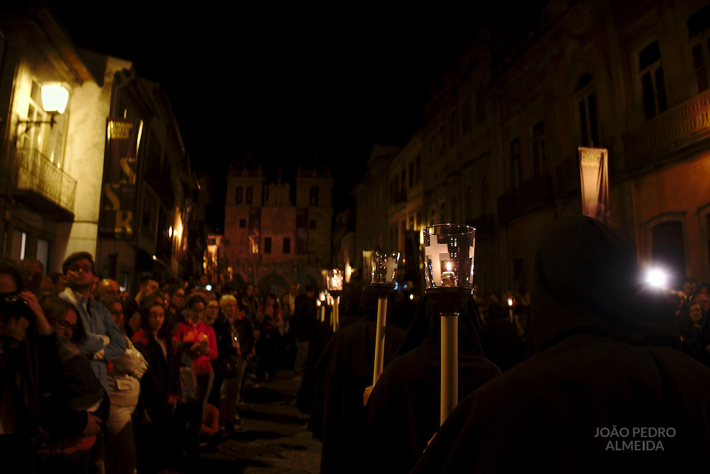 Burial of the Lord procession returning to Braga's cathedral