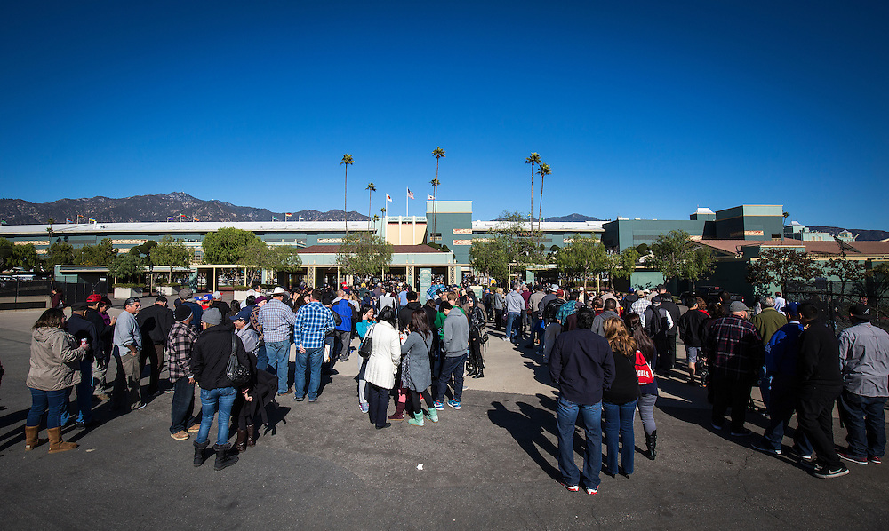 December 26, 2015: The largest on track crowd for an opening day since 1994 at Santa Anita Park, Arcadia CA. Evers/ESW/CSM