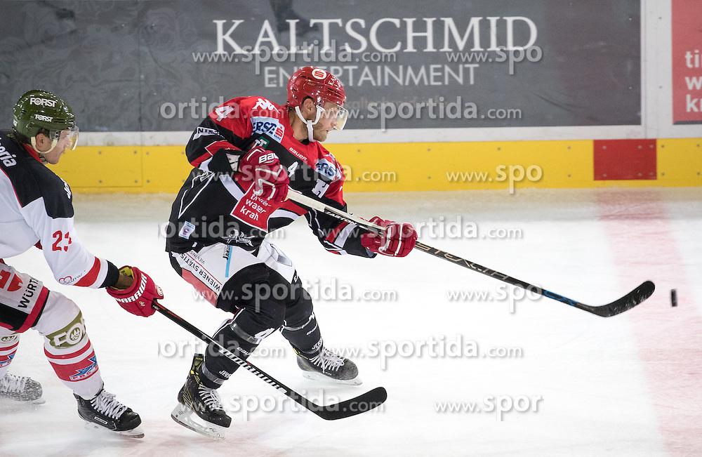 16.09.2016, Tiroler Wasserkraft Arena, Innsbruck, AUT, EBEL, HC TWK Innsbruck Die Haie vs HCB Suedtirol Alperia, 1. Runde, im Bild v.l. Markus Gander (Bozen), Daniel Mitterdorfer (HCI) // v.l. Markus Gander (Bozen) Daniel Mitterdorfer (HCI) during the Erste Bank Icehockey League 1st Round match between HC TWK Innsbruck Die Haie and HCB Suedtirol Alperia at the Tiroler Wasserkraft Arena in Innsbruck, Austria on 2016/09/16. EXPA Pictures © 2016, PhotoCredit: EXPA/ Johann Groder