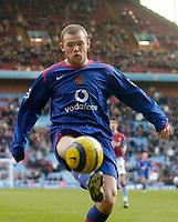 Photo: Glyn Thomas.<br />Aston Villa v Manchester United. The Barclays Premiership.<br />17/12/2005.<br />Manchester United's Wayne Rooney.