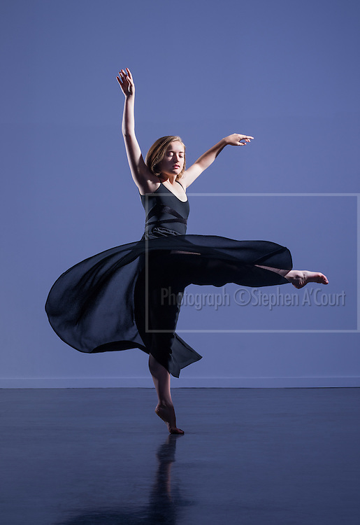 Dancer Tessa Hall.  Photo credit: Stephen A'Court.  COPYRIGHT ©Stephen A'Court