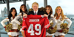 26.10.2010, City Hall, London, ENG, NFL, Photocall San Francisco 49ers and 49ers Goldrush Cheerleader, to Promote the NFL Game between Denver Broncos and the San Francisco 49ers to be played at Wembley Stadium, im Bild San Francisco 49ers Goldrush Cheerleaders meet the Mayor of London, Boris Johnson at City Hall. EXPA Pictures © 2010, PhotoCredit: EXPA/ IPS/ Sean Ryan +++++ ATTENTION - OUT OF ENGLAND/UK +++++