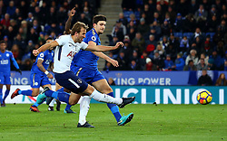 Harry Kane of Tottenham Hotspur scores a goal to make it 2-1 - Mandatory by-line: Robbie Stephenson/JMP - 28/11/2017 - FOOTBALL - King Power Stadium - Leicester, England - Leicester City v Tottenham Hotspur - Premier League