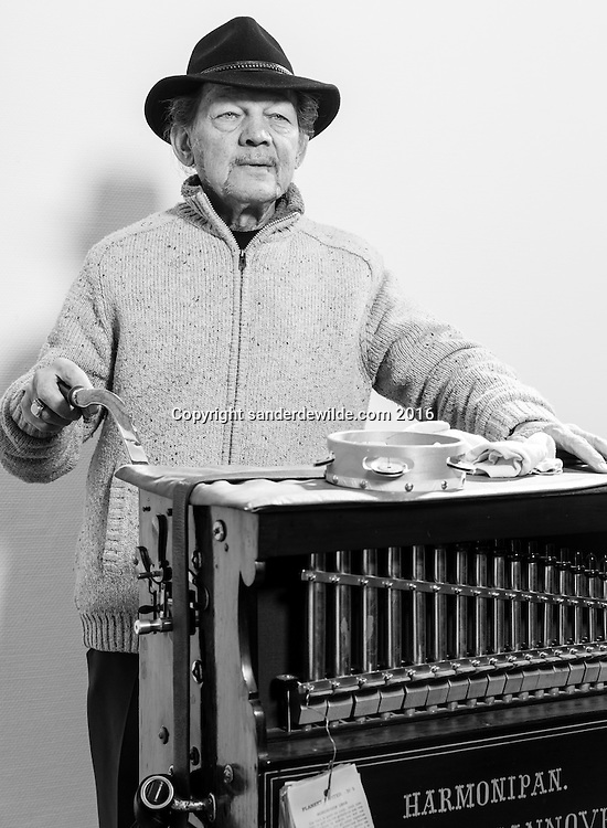 Brussels Belgium  11-11-2016 Pelo or Louis Weiss is a streetmusician for 50 years now. He walks the streets of Brussels, Paris and Amsterdam with a Harmonipan and other instruments.