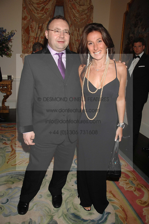 JONATHAN SHALIT and KATRINA SEDLEY at a pub style quiz night in aid of Rapt at Willaim Kent House, The Ritz, London on 25th June 2006.  The questions were composed by Judith Keppel and the winning team won &pound;1000 to donate to a charity of their choice.<br />