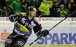 28.02.2016, Messestadion, Dornbirn, AUT, EBEL, Dornbirner Eishockey Club vs HC Orli Znojmo, Viertelfinale, 2. Spiel, im Bild Torjubel bei Keyle Greentree, (Dornbirner Eishockey Club, #14)// Goal Celebration Keyle Greentree, (Dornbirner Eishockey Club, #14)// during the Erste Bank Icehockey League 2nd quarterfinal match between Dornbirner Eishockey Club and HC Orli Znojmo at the Messestadion in Dornbirn, Austria on 2016/02/28, EXPA Pictures © 2016, PhotoCredit: EXPA/ Peter Rinderer
