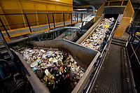 03 JAN 2012, BERLIN/GERMANY:<br /> Sortieranlage fuer Anfall / Wertstoffe aus der Gelben Tonne, Alba Recycling GmbH, Berlin-Mahlsdorf<br /> IMAGE: 20120103-01-006<br /> KEYWORDS: Wertstoffe, Recycling, Alba Group, Urban Mining, Gelber Sack, Gruener Punkt, Gr&uuml;ner Punkt, Duales System, Muell. M&uuml;ll. Verwertung