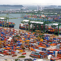 SGP, Singapur : der Ueberseehafen mit Container-Terminal. |SGP, Singapore : the sea port with container terminal|. 13.02.2013 .Copyright by : Rainer UNKEL , Tel.: 0171/5457756