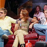Mexico, D.F.- Patricio Zambrano, Azalea y Alfonso de Nigris ingresaron la noche de ayer nuevamente al reality show Big Brother en su tercera edicion. Agencia MVT / Televisa. (DIGITAL)<br /> <br /> NO ARCHIVAR - NO ARCHIVE