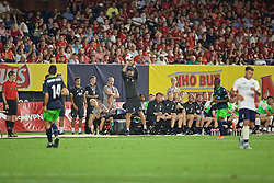 NEW YORK, NEW YORK, USA - Wednesday, July 24, 2019: Liverpool's manager Jürgen Klopp tries to catch a ball during a friendly match between Liverpool FC and Sporting Clube de Portugal at the Yankee Stadium on day nine of the club's pre-season tour of America. (Pic by David Rawcliffe/Propaganda)