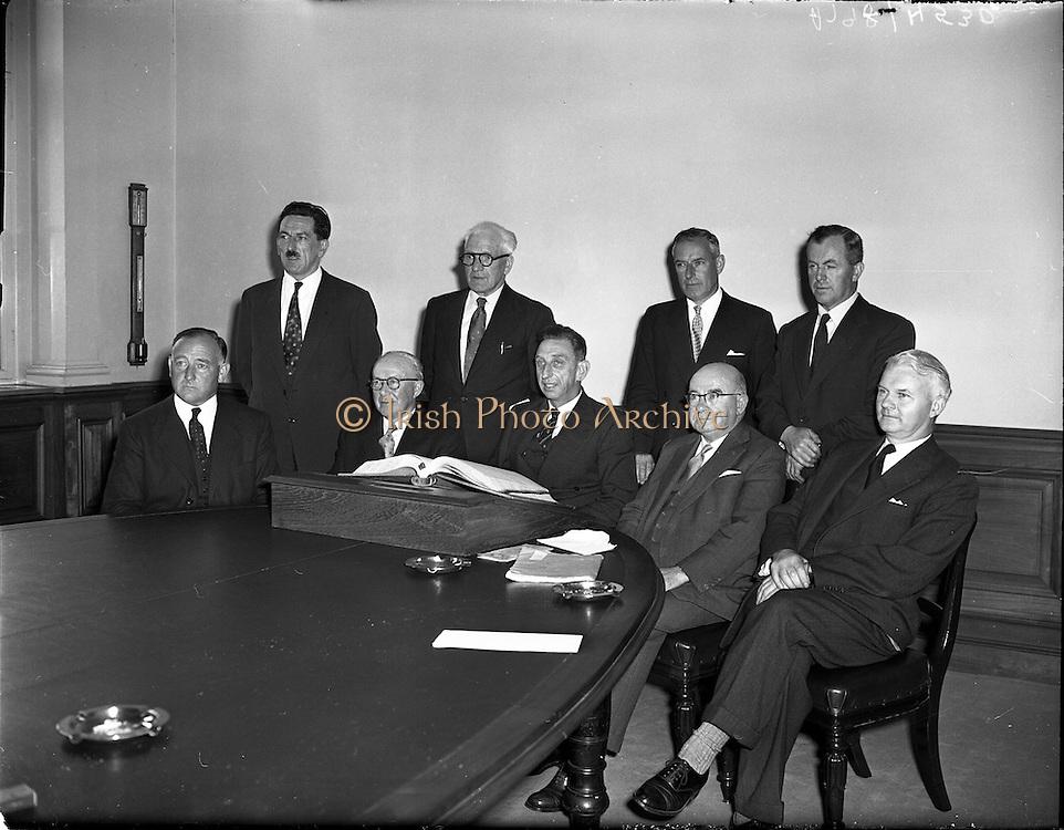 04/09/1958<br /> 09/04/1958<br /> 04 September 1958<br /> C.I.E. Board of Directors first meeting at Kingsbridge (Heuston) station.
