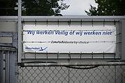 Nederland, Arnhem, 26-7-2017Gebouwen van de vestiging van akzo-nobel. Vestiging op industrieterrein Kleefse Waard. In de fabriek van AkzoNobel op de Kleefse Waard maken zo'n 70 werknemers de op hout- en katoencellulose gebaseerde stof CMC.  In Arnhem is ook de Central services Units afdeling van het bedrijf gevestigd. Tot 2008 was hier het hoofdkantoor van de multi-national.Foto: Flip Franssen
