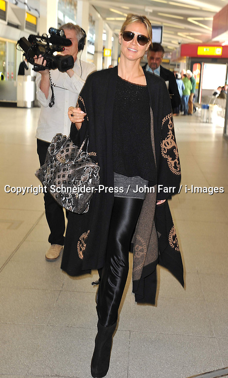 Heidi Klum arrives at Tegel airport, Berlin, Germany, 27 May, 2013. Photo by Schneider-Press / John Farr / i-Images. .UK & USA ONLY