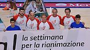 DESCRIZIONE : Beko Legabasket Serie A 2015- 2016 Dinamo Banco di Sardegna Sassari - Enel Brindisi<br /> GIOCATORE : Viva Settimana Rianimazione Cardiopolmonare Andrea Zerini Giacomo Devecchi Seghetti Mazzoni Ursi<br /> CATEGORIA : Before Pregame Ritratto Fair Play<br /> EVENTO : Beko Legabasket Serie A 2015-2016<br /> GARA : Dinamo Banco di Sardegna Sassari - Enel Brindisi<br /> DATA : 18/10/2015<br /> SPORT : Pallacanestro <br /> AUTORE : Agenzia Ciamillo-Castoria/L.Canu