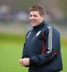LIVERPOOL, ENGLAND - Thursday, March 20, 2008: Liverpool's captain Steven Gerrard MBE training at Melwood ahead of the Premiership clash with Manchester United on Easter Sunday. (Photo by David Rawcliffe/Propaganda)