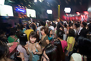 Hongdae Club Day (every last Friday of the month): entrance to 14 Clubs for 1 ticket costing 15.000 Won. Kids dancing in Q-vo Club.