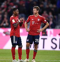Fussball  1. Bundesliga  Saison 2018/2019  5. Spieltag  FC Bayern Muenchen - FC Augsburg       25.08.2018 Enttaeuschung FC Bayern Muenchen; David Alaba (li) und Thomas Mueller ----DFL regulations prohibit any use of photographs as image sequences and/or quasi-video.----