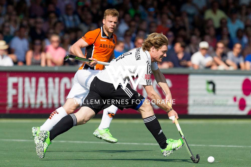 Amsterdam - Amsterdam - Oranje Zwart,   Heren, Hoofdklasse Hockey Heren, Seizoen 2015-2016, 07-05-2016, Amsterdam - Oranje Zwart 2-3, Klaas Vermeulen en Mink van der Weerden.