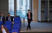 DEU, Deutschland, Germany, Berlin, 31.01.2019: Dr. Frauke Petry (fraktionslos) wartet vor ihrer Rede neben den Reihen der AfD-Bundestagsfraktion bei einer Plenarsitzung im Deutschen Bundestag.