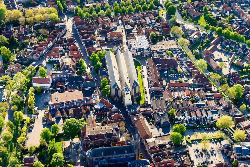 Nederland, Noord-Holland, gemeente Enkhuizen, 07-05-2018; centrum van Enkhuizen,  historische binnenstad. Westerkerk.<br /> Enkhuizen historical city centre<br /> <br /> luchtfoto (toeslag op standard tarieven);<br /> aerial photo (additional fee required);<br /> copyright foto/photo Siebe Swart