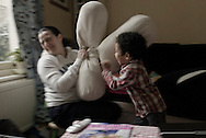 UK. London. A day in the life of single Mum Paloma Sanchez and her 3-year old son Oliver. .Amaya Roman/Workers Photos