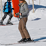 AUD/Lech/20110219 - Fotosessie Nederlandse Koninklijke Familie 2011 op wintersport in Lech, Maxima
