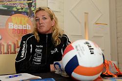 17-05-2014 NED: Nationaal Volleybalcongres, Amersfoort<br /> Met het thema Goud in handen zal het congres het platform voor kansdeling en uitwisseling zijn voor bestuurders / Deborah Schoon-Kadijk