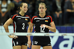 09.10.2010, Halle Berg Fidel, Muenster, GER, Vorbereitung Volleyball WM Frauen 2010, Laenderspiel Deutschland ( GER ) vs. Tuerkei ( TUR ), im Bild Denise Hanke (#3 GER), Heike Beier (#12 GER). EXPA Pictures © 2010, PhotoCredit: EXPA/ nph/   Conny Kurth+++++ ATTENTION - OUT OF GER +++++