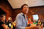 Roma 6 Luglio 2009.Studenti dell'Onda hanno occupato questa mattina il rettorato de La Sapienza per protestare contro gli arresti avvenuti a Torino e in altre città del nord in seguito agli scontri scoppiati nel capoluogo piemontese durante il G8 dell'Università e della Ricerca..Francesco Raparelli portavoce dell'Onda
