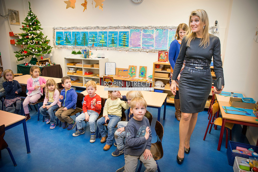 16-12-2015 - Queen Maxima visits the Liduina school in The Hague  a music project Queen Maxima will visit the primary school Liduinastraat. It does so in order to be informed of music education. COPYRIGHT ROBIN UTRECHT <br /> DEN HAAG - Koningin Maxima brengt een bezoek aan de basisschool Liduina. Zij wordt als erevoorzitter van het Platform Ambassadeurs Muziekonderwijs op de hoogte gebracht van het muziekonderwijs op de basisschool.