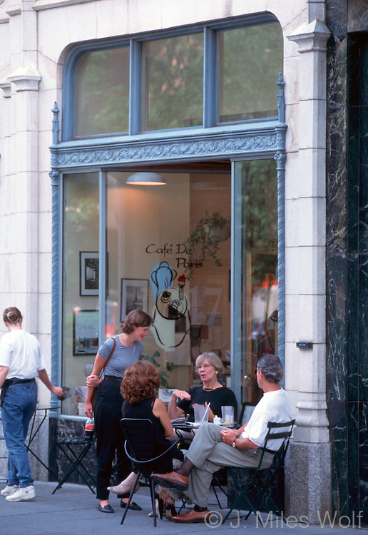 Downtown Cincinnati Business Cafe De Paris
