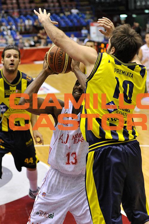 DESCRIZIONE : Milano Lega A 2009-10 Playoff Quarti di Finale Gara 2 AJ Milano Sigma Coatings Montegranaro<br /> GIOCATORE : Chris Monroe<br /> SQUADRA : AJ Milano<br /> EVENTO : Campionato Lega A 2009-2010 <br /> GARA : AJ Milano Sigma Coatings Montegranaro<br /> DATA : 22/05/2010<br /> CATEGORIA : Tiro<br /> SPORT : Pallacanestro <br /> AUTORE : Agenzia Ciamillo-Castoria/D.Pescosolido<br /> Galleria : Lega Basket A 2009-2010 <br /> Fotonotizia : Milano Lega A 2009-10 Playoff Quarti di Finale Gara 2 AJ Milano Sigma Coatings Montegranaro<br /> Predefinita :