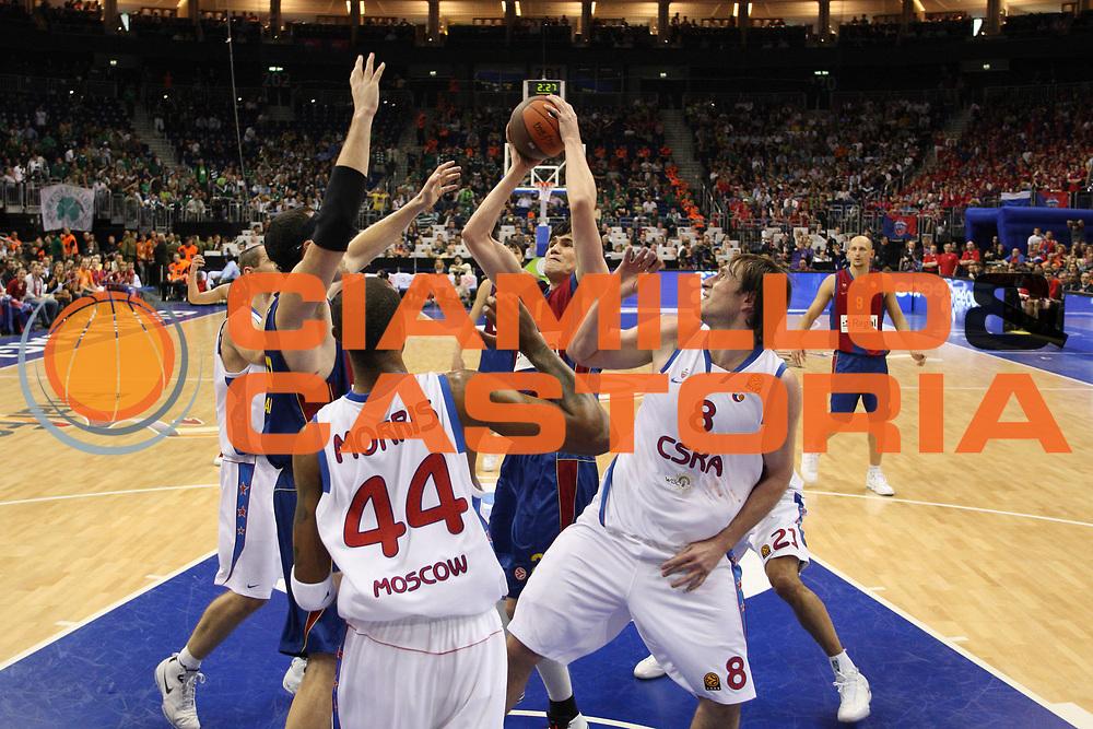 DESCRIZIONE : Berlino Eurolega 2008-09 Final Four Semifinale Regal Barcellona CSKA Mosca <br /> GIOCATORE : Ersan Ilyasova <br /> SQUADRA : Regal Barcellona <br /> EVENTO : Eurolega 2008-2009 <br /> GARA : Regal Barcellona CSKA Mosca <br /> DATA : 01/05/2009 <br /> CATEGORIA : Tiro <br /> SPORT : Pallacanestro <br /> AUTORE : Agenzia Ciamillo-Castoria/C.De Massis