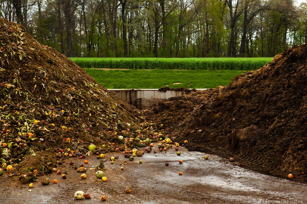 Compost piles rest at Oregon Dairy Farm in Lititz, Pa., on May 1, 2015. Oregon Dairy Farm, which composts food waste and cow manure, utilizes cover crops, and powers the entire farm with a methane digester, was named as a 2015 U.S. Dairy Sustainability Award winner. (Photo by Will Parson/Chesapeake Bay Program)