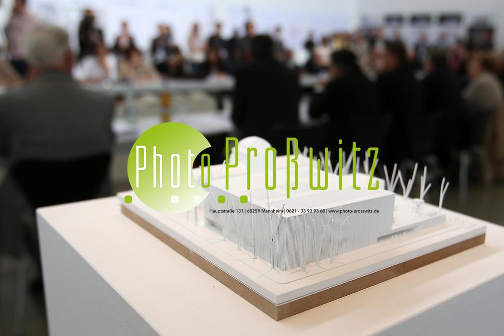 Mannheim. 19.07.2012. Kunsthalle. Pressekonferenz. Vorstellung der Architektenentw&cedil;rfe zum Neubau der Kunsthalle.<br /> <br /> Entwurf: 1016<br /> <br /> Bild: Markus Proflwitz 20JUL12 / masterpress /