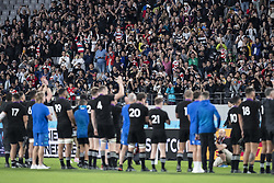November 1, 2019, Tokyo, Japan: Players of New Zealand celebrate their victory with supporters after the Rugby World Cup 2019 Bronze Final between New Zealand and Wales at Tokyo Stadium. New Zealand defeats Wales 40-17. (Credit Image: © Rodrigo Reyes Marin/ZUMA Wire)